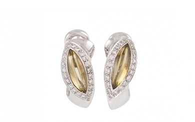 A PAIR OF DIAMOND SET CLUSTER EARRINGS, mounted in 18ct whit...