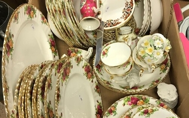 A Royal Albert ''Old Country Roses'' part dinner service com...