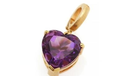 A hinged amethyst pendant set with a heart-shaped amethyst, mounted in 18k matted gold. L. incl. eye-let app. 22×11 mm.