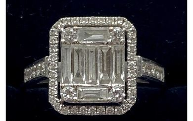 AN 18CT WHITE GOLD DIAMOND CLUSTER RING, 3.00 cts fine round...
