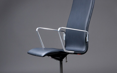 Arne Jacobsen. Oxford office chair, medium height back, model 3291, Red label with certificate, 2008