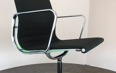 Charles Eames, Ray Eames - ICF - Office chair - EA 117