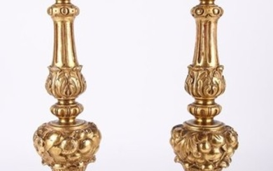 Couple Candlesticks carved and gilded Gold leaf. - Wood - Late 19th century
