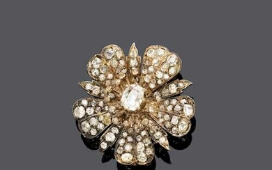 DIAMOND FLOWER BROOCH, ca. 1900.