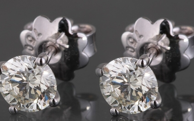 Earrings in 14kt with brilliant cut diamonds 1.06ct