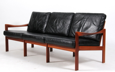 Illum Wikkelsø. Three-seater sofa, Model 20