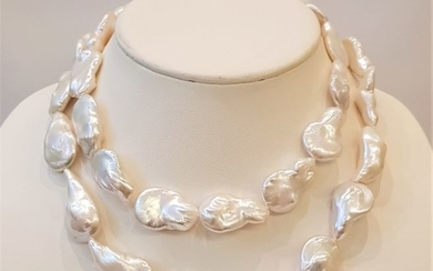 NO RESERVE PRICE - 925 Silver - 16x17mm Freshwater Pearls - Necklace