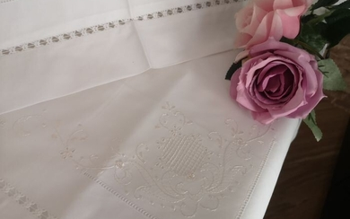 Very rich pure cotton percale bed sheet with hand stitch embroidery in gold silk thread - Linen - 21st century