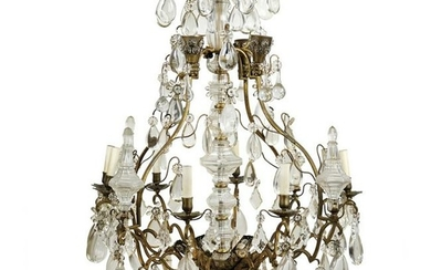 18 lights bronze and crystal chandelier 19th century