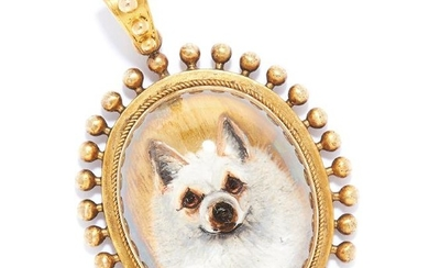 ANTIQUE ESSEX CRYSTAL DOG PENDANT in high carat yellow