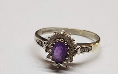 9ct (.375) White Gold Daisy Ring with Large Oval Amethyst in...