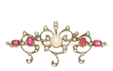 A CULTURED SPLIT PEARL, DIAMOND AND RUBY BROOCH IN GOLD, 55 ...