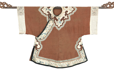 A Han-Chinese woman's tunic, ao and with a wood hanging rod