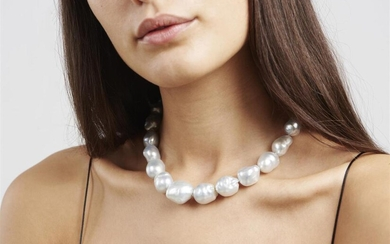 A STRAND OF BAROQUE SOUTH SEA PEARLS BY AUTORE