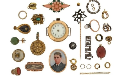 A mixed group of jewellery including a vacant...