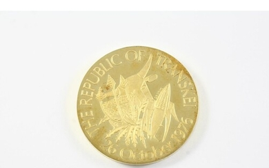 AN 18CT GOLD SOUTH AFRICAN HISTORICAL MEDALLION celebrating ...