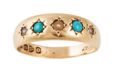 AN ANTIQUE PEARL AND TURQUOISE RING, gypsy set in 18ct gold