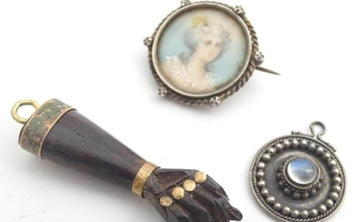 Assorted jewellery comprising a 19thC carved wooden