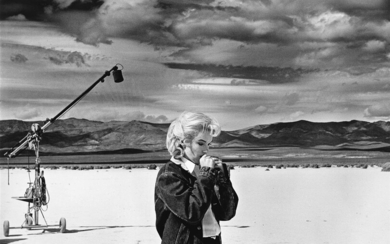 EVE ARNOLD (1912 2012) Marilyn Monroe in the Nevada desert r