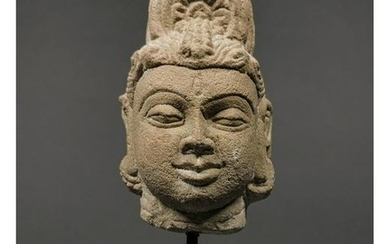 INDIAN MEDIEVAL STONE HEAD OF BUDDHA