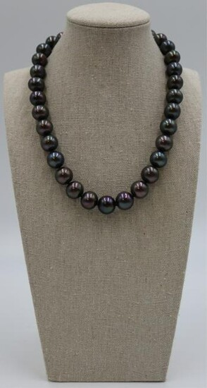 JEWELRY. 14kt Gold and Tahitian Pearl Necklace.