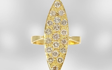Ring: yellow gold antique marquis ring with diamonds,...