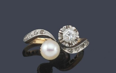 Ring 'you and me' with pearl and brilliant approx. 0.20