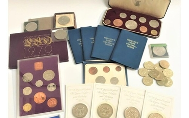 SELECTION OF BRITISH COINS SETS AND COMMEMORATIVE CROWNS inc...