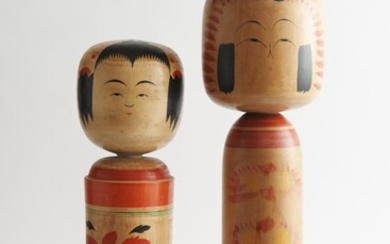 TWO LARGE VINTAGE WOODEN JAPANESE HAND PAINTED KOKESHI DOLLS, THE TALLEST 53 CM HIGH, LEONARD JOEL LOCAL DELIVERY SIZE: SMALL