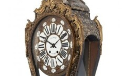 61023: A French Chinoiserie Gilt Bronze Mounted Clock o