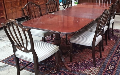 A MAHOGANY HEPPLEWHITE STYLE DINING SUITE