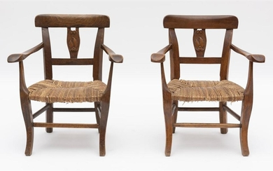 A PAIR OF 19TH CENTURY FRENCH OAK CHILDREN'S CHAIRS WITH RUSH SEATS. SEAT HEIGHT 25CM