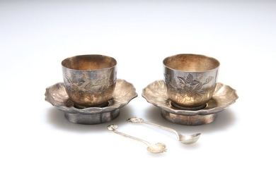 A PAIR OF CHINESE EXPORT SILVER CUPS AND SAUCERS, with
