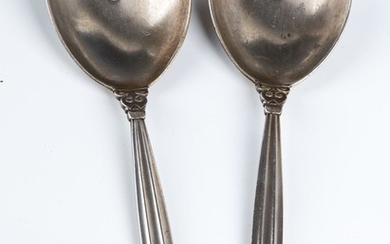 A PAIR OF STERLING SILVER SERVING PIECES BY GEORG