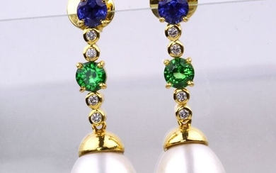 As New - Unused - 18kt Yellow Gold - Earrings Sapphire & Pearls - Diamond
