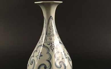Chinese Blue-White Porcelain Vase