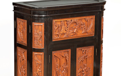 Chinese bar cabinet in Oriental carved and black-lacquered wood, third quarter of the 20th Century.