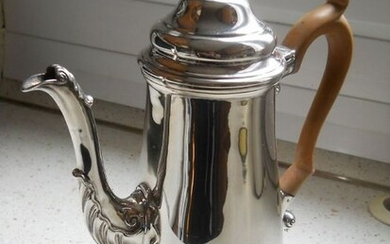 Coffee pot - Sterling Silver - Carrington & Co, London - England - Early 20th century