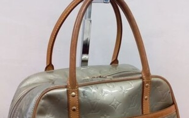Louis Vuitton - Vernis Shoulder bag