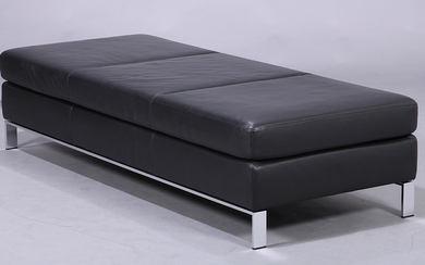 Norman Foster. Free-standing daybed, model Foster 500 for Walter Knoll