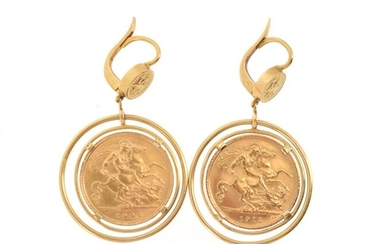 Pair of 18 K (750 °/°°°) yellow gold ear pendants, each pendant set with a half-sovereign gold (1 x George V 1915 and 1 x Edward VII 1906), surmounted by a small medal depicting St. George slaying the dragon.