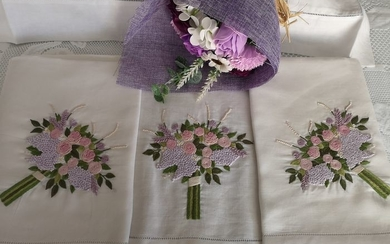 Spectacular Pure linen sheet embroidered by hand - Linen - After 2000