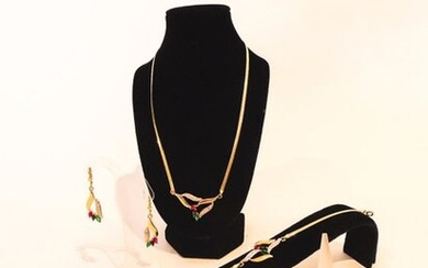 Tutti-frutti set (necklace, bracelet, ring and pair of earrings) in 18 carat yellow gold set with stones, punches, t. 56, 30 g approx.