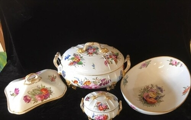 A COLLECTION OF 19TH CENTURY DERBY PORCELAIN DINNER WARE Com...