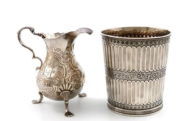 A George II silver cream jug, maker~s mark...