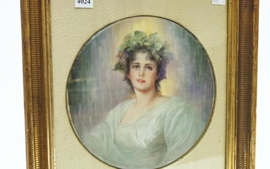 A HAND PAINTED ANTIQUE PORCELAIN PLAQUE 'DAPHNE', IN THE STYLE OF KPM, 22.5 CM DIAMETER