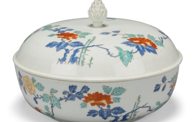 A MEISSEN PORCELAIN KAKIEMON BOWL AND COVER, CIRCA 1728-30, BLUE ENAMEL CROSSED SWORDS MARK TO BOWL, WHEEL-ENGRAVED JAPANESE PALACE INVENTORY NUMBERS, N=26 / W TO BOWL, HEIGHTENED IN BLACK ENAMEL, AND N=22 / W TO COVER