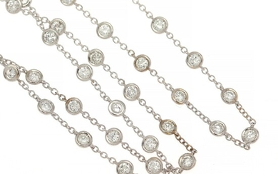 A diamond necklace set with numerous brilliant-cut diamonds weighing a total of app. 7.87 ct., mounted in 18k white gold. G-H/SI. L. app. 110 cm.