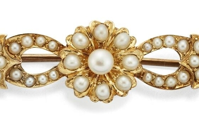 AN EDWARDIAN SEED PEARL BROOCH, the central seed pearl