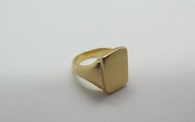 An 18ct yellow gold signet ring, size T, approx 22.3 grams, ...